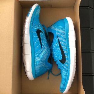 NIB Nike Free 4.0 Flyknit Women's 7.5